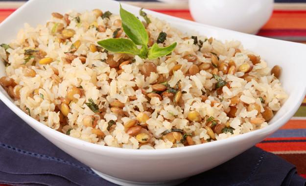 arroz integral emagrece rico em fibras