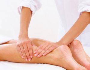 massagem nas pernas