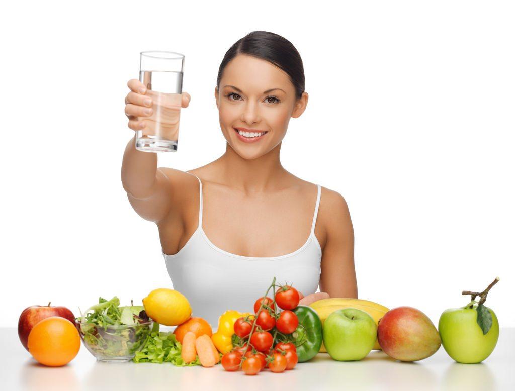 Siba como uma boa alimentaçãopode ajudar a combater a acne