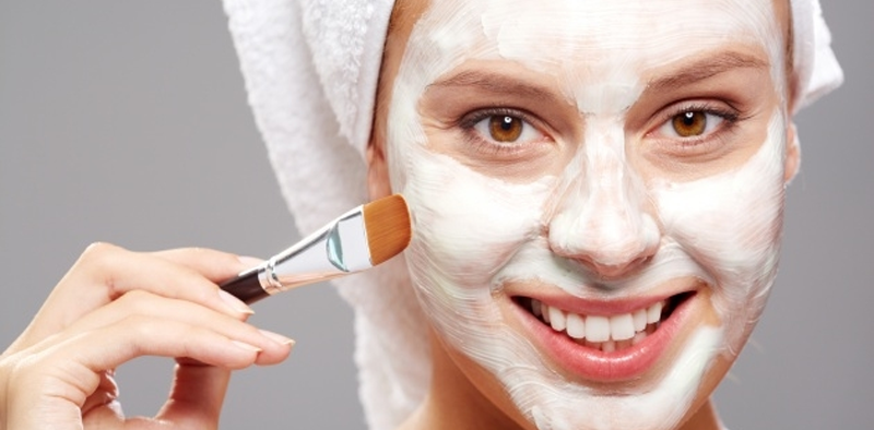 Como limpar a maquiagem naturalmente