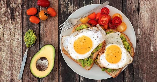 O que comer no Café da Manhã saudável