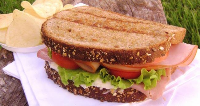 Sanduíche de cheddar e Peru