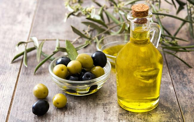 Gordura insaturada, ajuda com o colesterol bom, prevenindo doenças.