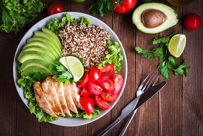 Alimentos que ajudam na prevenção de dores nas costas