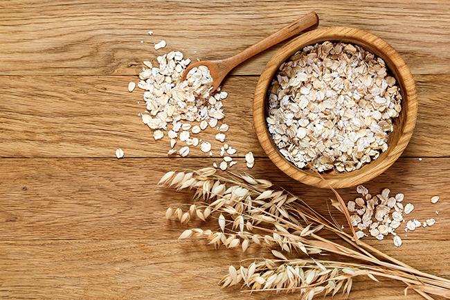 Aveia é um cereal rico em fibras, proteínas, minerais,vitaminas e carboidratos complexos, fornecendo energia de forma gradual.