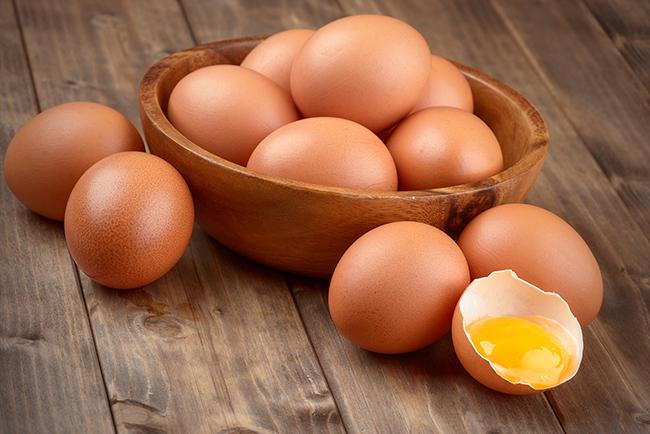 Ovos possuem altas fontes de proteína e aminoácidos essenciais para o metabolismo.